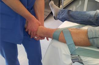 Aplicación de la Terapia Manual Ortopédica (OMT) Concepto Kaltenborn-Evjenth en la hipomovilidad de la flexión dorsal de la articulación tibio-peronea-astragalina. Estudio de un caso clínico.