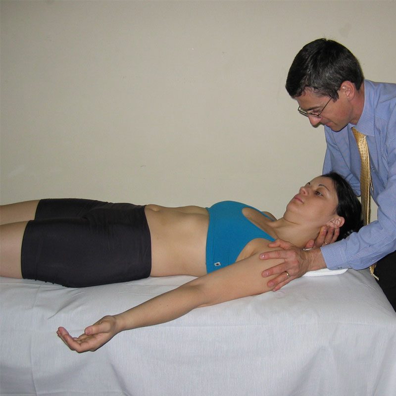 Abordaje integrado de terapia manual de la columna cervical. Dr. Toby Hall