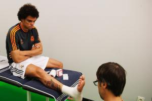 Terapia manual de lesiones deportivas by Juan Muro