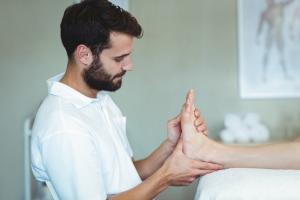 Masaje en esguinces de tobillo