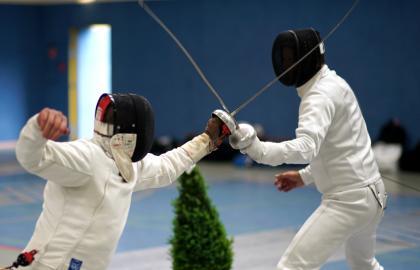 Importancia de la doble sesion diaria en lesiones mas frecuentes en atletas de la seleccion de esgrima argelina.