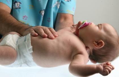 TRATAMIENTO DEL CÓLICO DEL LACTANTE Visión Osteopática y Nutricional