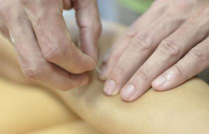 Síndrome del dolor miofascial. Tratamiento conservador e invasivo de los puntos gatillo miofasciales- Madrid